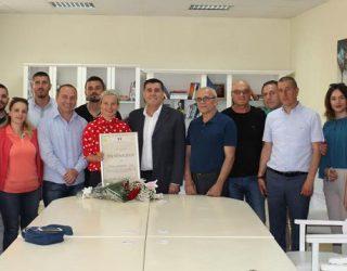 Haziri nderoi me mirënjohje alpinisten Flutura Ibrahimi – Uta