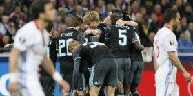 Ajaxi humb, por arrin finalen e Ligës së Evropës