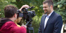 Djali i Ukshin Hotit, Andini synon të jetë zë i fuqishëm i rinisë kosovare