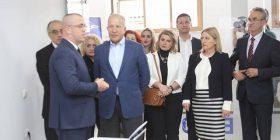 AKR premton përkrahje financiare për bizneset e të rinjëve