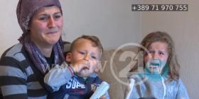 Fëmijët dy ditë pa bukë në gojë, familja skamnore kërkon lëmoshë (Video)