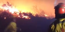 9 të vdekur nga zjarri në Afrikë, evakuohen mbi 10 mijë banorë (Video)