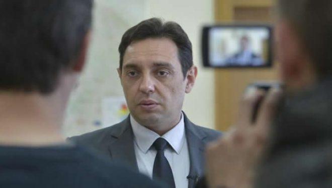 Vulin kërkon që Perëndimi t'i heshtë Thaçin e Haradinajn