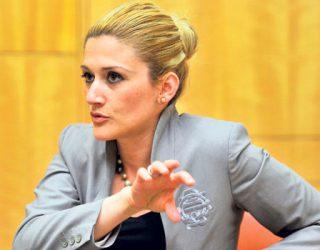 Mimoza Kusari- Lila tërhiqet nga kryetarja e Gjakovës