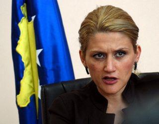 Mimoza Kusari thotë se Isa Mustafa dhe Avdullah Hoti shtypin mendimin ndryshe brenda LDK'së
