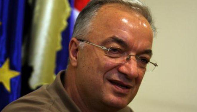 Xhavit Haliti për statuset e Isa Mustafës: Po ia lëshojnë mjekrën këshilltarët