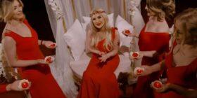 Vajza e Shyrete Behlulit në telashe, këngëtarja turke e padit për vjedhje (VIDEO)