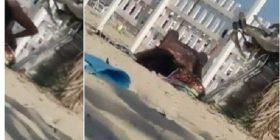 Seks në plazh/ Vajza i hipën sipër djalit dhe e bëjnë në sy të publikut (Video +16)