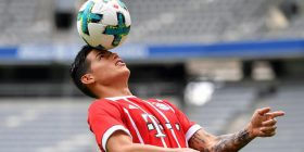 James mahniti në paraqitjen e parë te Bayerni (VIDEO)