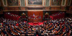 Macron do zvogëlimin e numrit të deputetëve të Francës