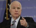 Prekëse: Këto janë fjalët e vajzës së McCain për babain e saj (Foto)