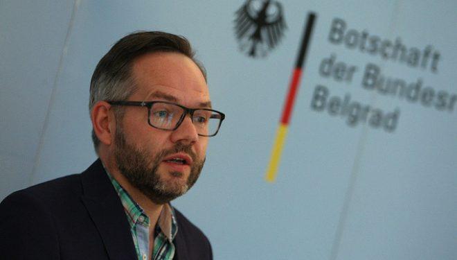 Ministri gjerman, apel Kosovës: Përqendrohuni te beteja me coronavirusin 35 minuta