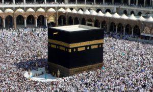 Arabia Saudite akuzohet se po ndalon myslimanët e Katarit të kryejnë Haxhin
