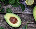 Avokado, burim i vitaminave dhe mineraleve të rëndësishme për fëmijët