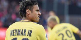 Busquets vajton largimin e Neymarit