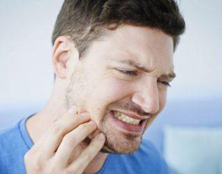 Përse kërcisni dhëmbët gjatë ,?