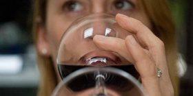 Femrat e zgjuara janë konsumuese të mëdha të alkoolit