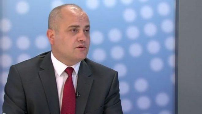 Ky është deputeti i Kosovës që pagën e parë të tij ia dhuroi familjeve në nevojë