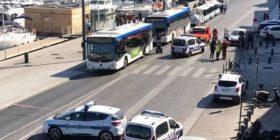 Makina përplaset në stacione të autobusëve: 1 i vdekur, 2 të lënduar (Foto)