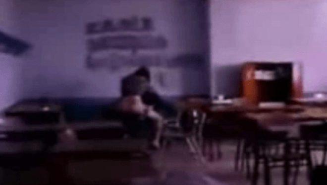 Mësuesja zihet duke bërë seks me nxënësin e saj (Foto)
