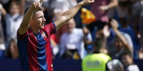 Çfarë goli nga Enis Bardhi, ylli shqiptar shënon përsëri nga gjuajtja e lirë (Video)