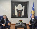 Kryeministri Haradinaj priti në takim nënkryetarin e Komunës së Gjilanit, Rexhep Kadriu
