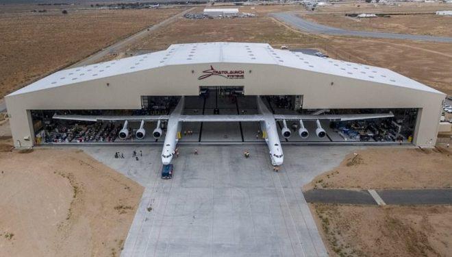 Aeroplani më i madh në botë, krahët e të cilët janë më të mëdhenj sesa një fushë futbolli – ka arritur me sukses të ndez gjashtë motorë gjigant (Foto)