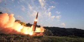 Koreja e Veriut lëshon raketë të re nga Pheniani