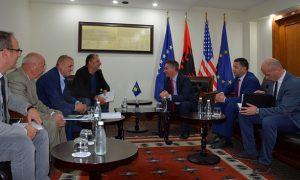 Ministri Lekaj, priti në takim kryetarin e Odës Ekonomike të Kosovës Safet Gërxhaliu