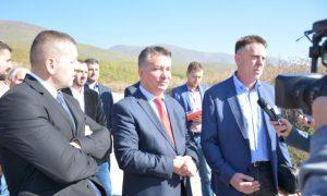 Ministri Lekaj, zotohet se nuk do të ketë vonesa në projektet e infrastrukturës rrugore