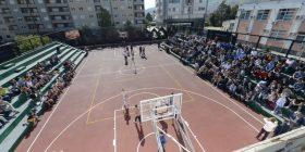 Përurohet qendra sportive në Pejë, në shenjë të ish-basketbollistit Valon Begolli (Foto/Video)
