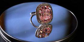 Diamanti rozë që prek shifrën e 30 milionë dollarëve