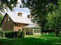 """Stallën e ndërtuar në vitin 1860 e shndërruan  në """"vilë luksoze"""" (Foto)"""