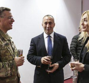 Kryeministri Haradinaj organizoi pritje me rastin e Ditës së Falënderimeve