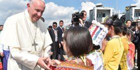 Papa Françesku në një turne aziatik me fokus krizën në Mianmar