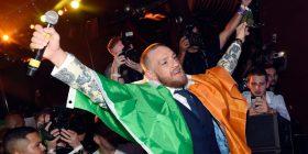 McGregor kërkon falje për shtyrjen e gjyqtarit dhe goditjen e një zyrtari në 'Bellator 187' (Foto/Video)