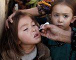 """""""I besuam klerikut"""": Prindi i dëshpëruar pakistanez bën thirrje për vaksinim të fëmijëve"""