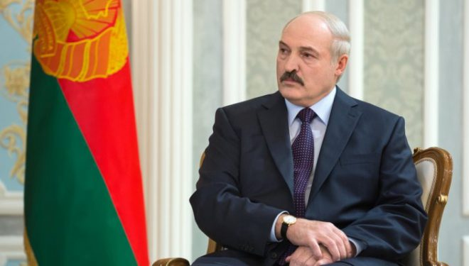Lukashenko iu thotë protestuesve se do t'ua presë duart