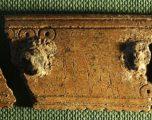 Zbulohet pllaka me mbishkrime të hershme të Vikingëve
