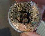 Bitcoin bie nën 10,000 dollarë për herë të parë që nga muaji Nëntor