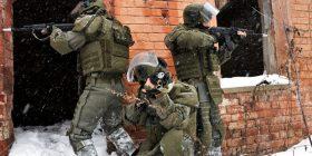 """Ushtria ruse teston """"kostumin special"""" – thuhet se është i blinduar, me kamerë dhe sistem ftohës (Video)"""
