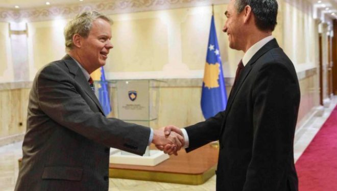 Kryeparlamentari Veseli takon Ambasadorin Delawie, rikonfirmon qëndrimin për Gjykatën Speciale
