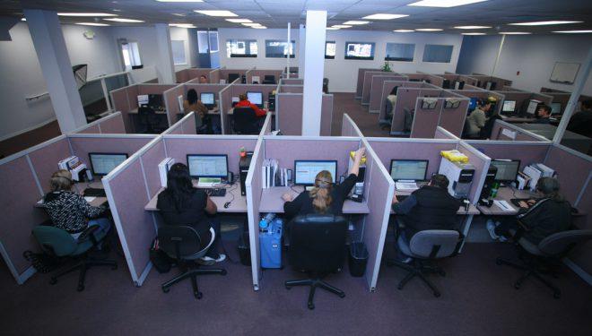 Tjetër goditje për call center; Italia miraton masa të reja shtrënguese