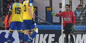 Alves e provon vetën edhe në portë ndaj Sochaux pasi që Trapp del jashtë me karton të kuq (Foto/Video)