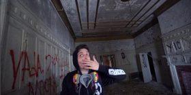Brenda shtëpisë së braktisur, ku 'fantazmat bredhin të lira' (Video)
