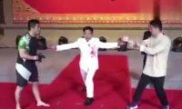 """Luftëtari i MMA-së nokauton 6 herë """"mjeshtrin"""" e Kung Fusë (Video)"""