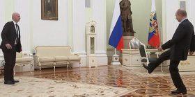 """Putin shfaq """"shkathtësitë"""" e tij në futboll, luan me presidentin e FIFA-s, Gianni Infantino (Video)"""