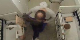 Babai me reflekse të mahnitshme, shpëtoi fëmijën të mos përplaset me kokë për dysheme (Video)