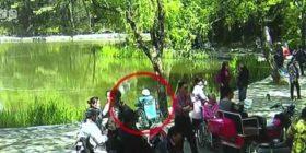 Kujdestarja e harron, 90-vjeçarja në karrocë përfundon në lumë (Video)