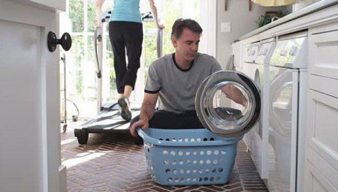 Një gabim që e bën gjithmonë sa herë lan rrobat e bardha